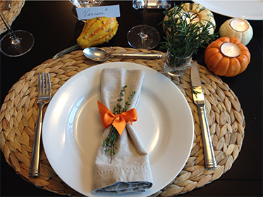 I hope these rustic, chic, and easy ideas bring you inspiration for your Thanksgiving day table! Ryan and I wish you a healthy, happy, and delicious Thanksgiving! Cheers!