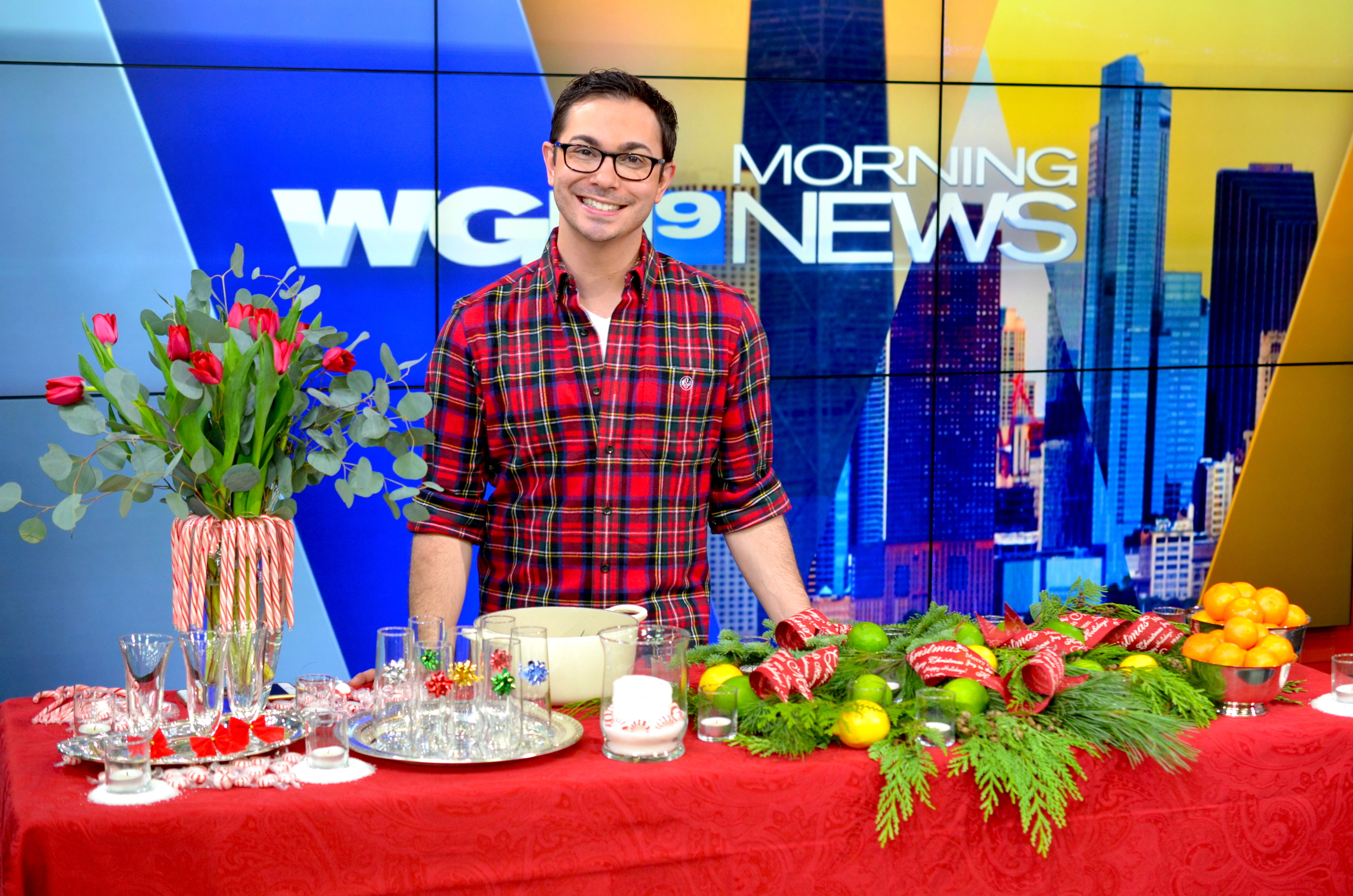 A very festive and fabulous Christmas Eve morning at WGN Chicago! Click here to watch the broadcast to discover my other 5 simple and last-minute decorating ideas.