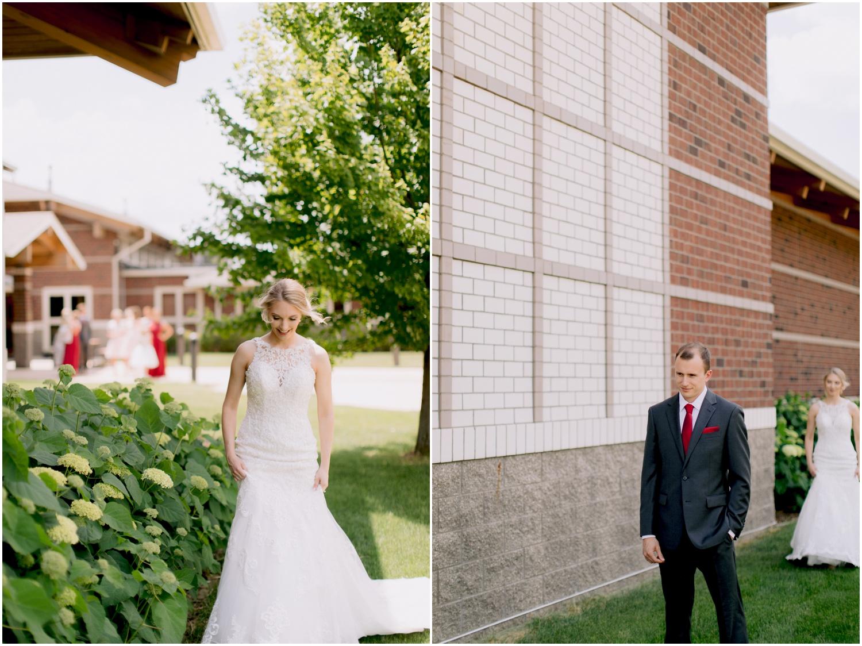 Andrew Ferren Photography-Iowa Wedding Photographer Des Moines Iowa-Embassy Club West_0127.jpg
