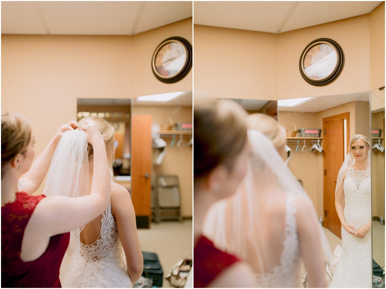 Andrew Ferren Photography-Iowa Wedding Photographer Des Moines Iowa-Embassy Club West_0135.jpg