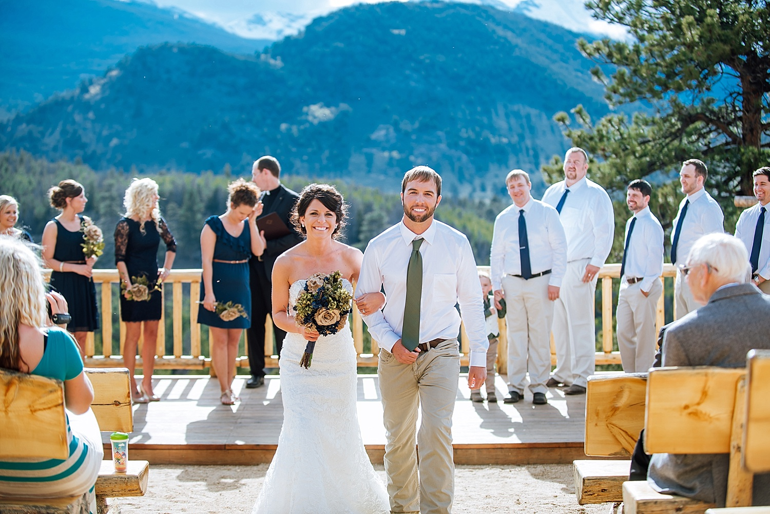 Overlook Chapel in Estes Park, Colorado is the perfect wedding venue. I love Rocky Mountain National Park and mountain weddings. Photo by Maddie Mae Photography
