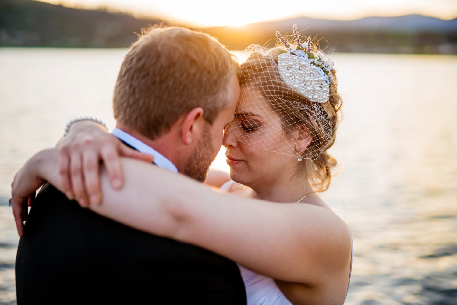 Sunset couple wedding photos in Grand Lake Colorado. Photo by Maddie Mae Photography