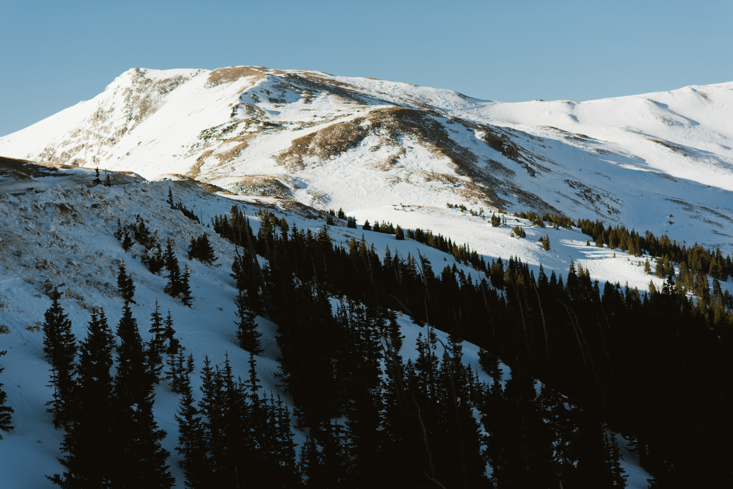 Loveland Pass, Colorado looks amazing in this morning light! | Gorgeous mountain photo by Maddie Mae