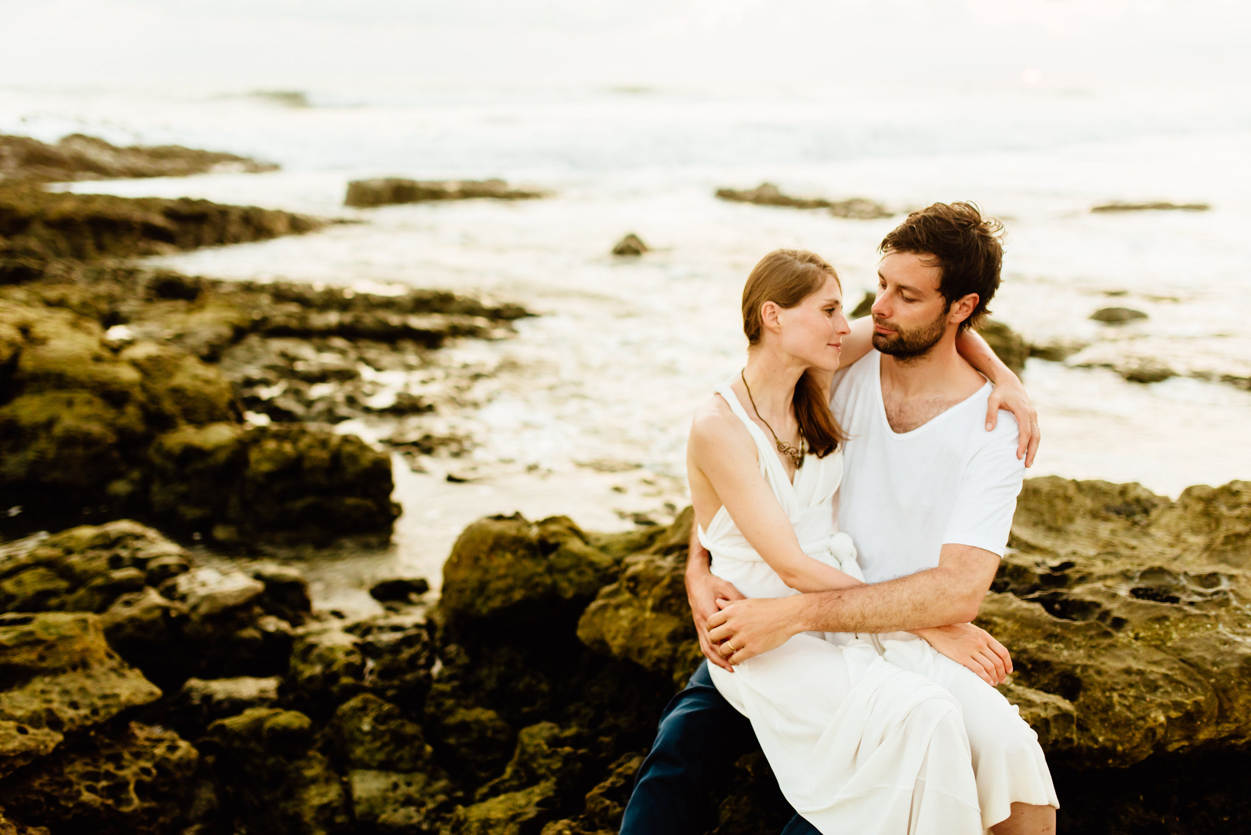 Sunset weddings are always my favorite! Absolutely love this destination beach wedding in Costa Rica.  Beach wedding photography by destination wedding photographer, Maddie Mae.
