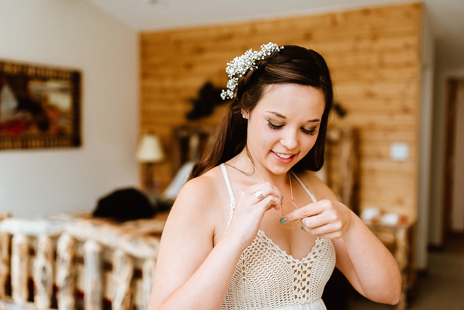 I absolutely love this crochet wedding dress! Such a unique detail for such a beautiful mountain wedding! | Colorado mountain elopement photos by Colorado elopement photographer, Maddie Mae.