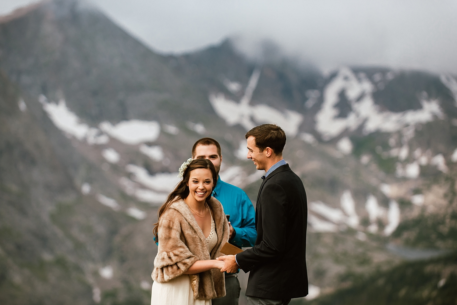 Jessica and Edward's ceremony in Estes Park, Colorado was amazing! I can't wait for mown mountain elopement in Colorado! | Intimate outdoor elopement photos by RMNP wedding photographer, Maddie Mae.