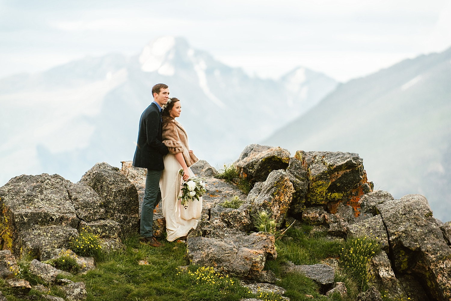 This cliffside wedding in Estes Park, Colorado has to be one of the most gorgeous elopement locations in Rocky Mountain National Park, Colorado! | RMNP elopement location photos by adventure wedding photographer, Maddie Mae.