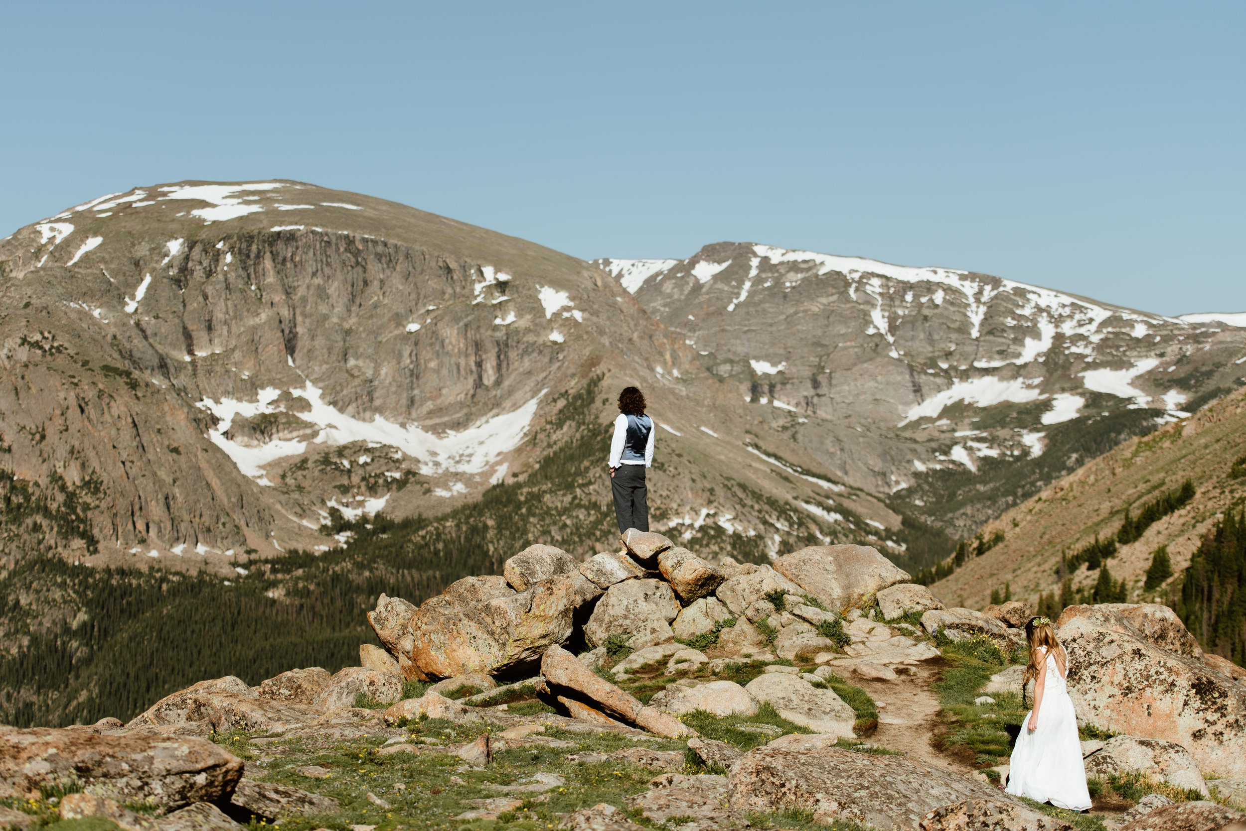 Love the new trend of doing a first look before the wedding ceremony! Such a cute mountaintop elopement! | Trail Ridge Road, RMNP elopement photos by Colorado adventure elopement photographer, Maddie Mae.