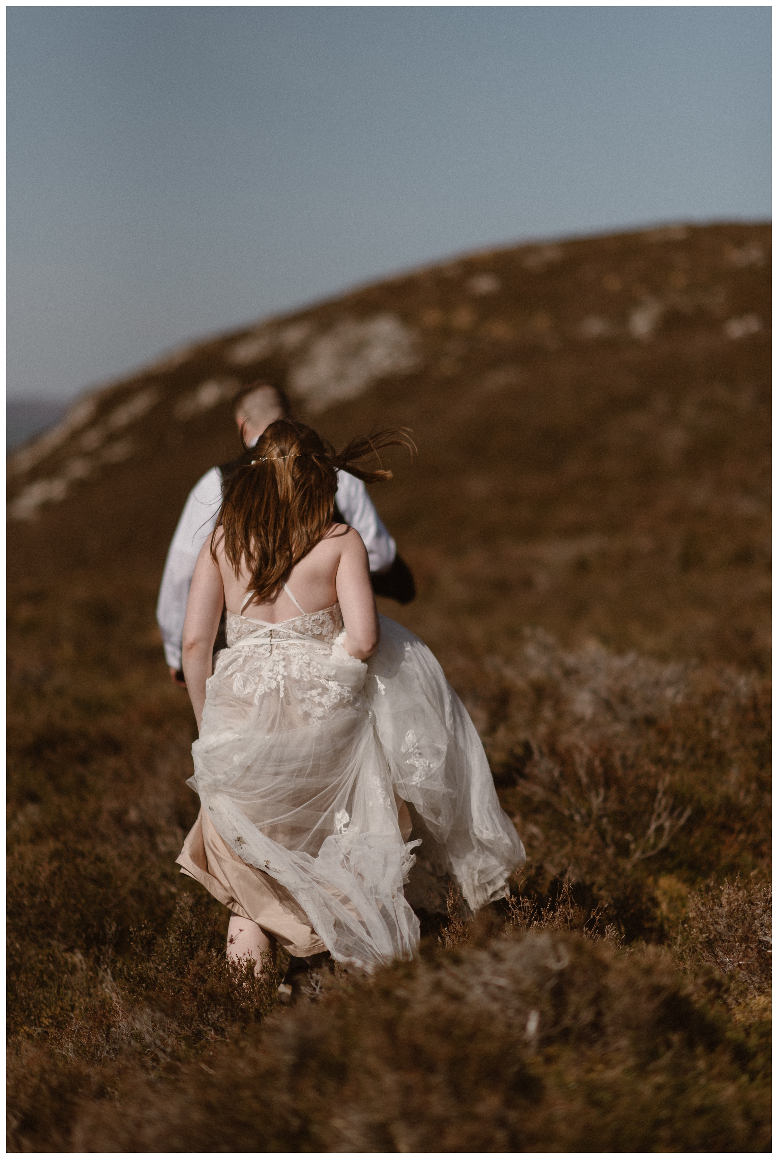 Elissa and Daniel love to explore and adventure together so it made sense for them to plan a destination elopement ceremony to a place they had never been, Scotland. Photo by Maddie Mae, Adventure Instead.