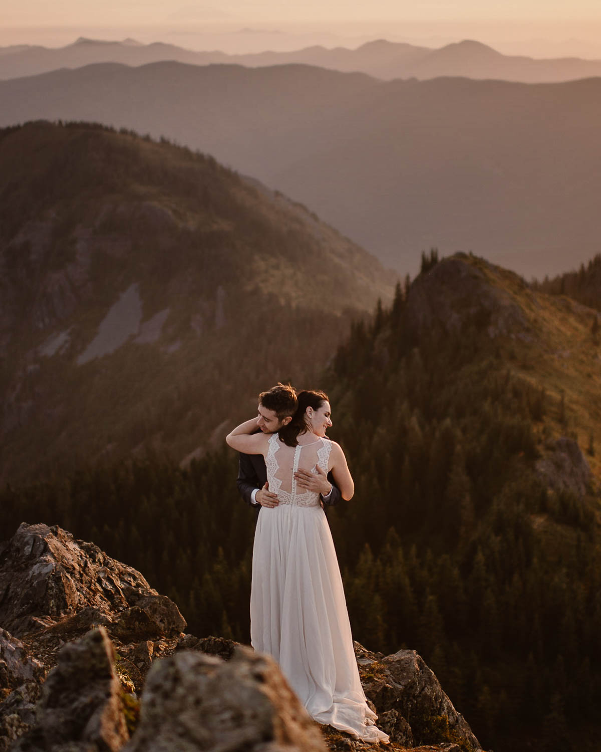 Pacific Northwest Elopements & Intimate Weddings(WA, OR, ID) - The Pacific Northwest is full of some of the best elopement locations in the country—and we'd love to help you find the most incredible spot to say your vows. Whether you plan to elope near Seattle or Portland, on the coast, or in the mountains, we can't wait to share all the ideas we have and help make your day PNW elopement incredible.