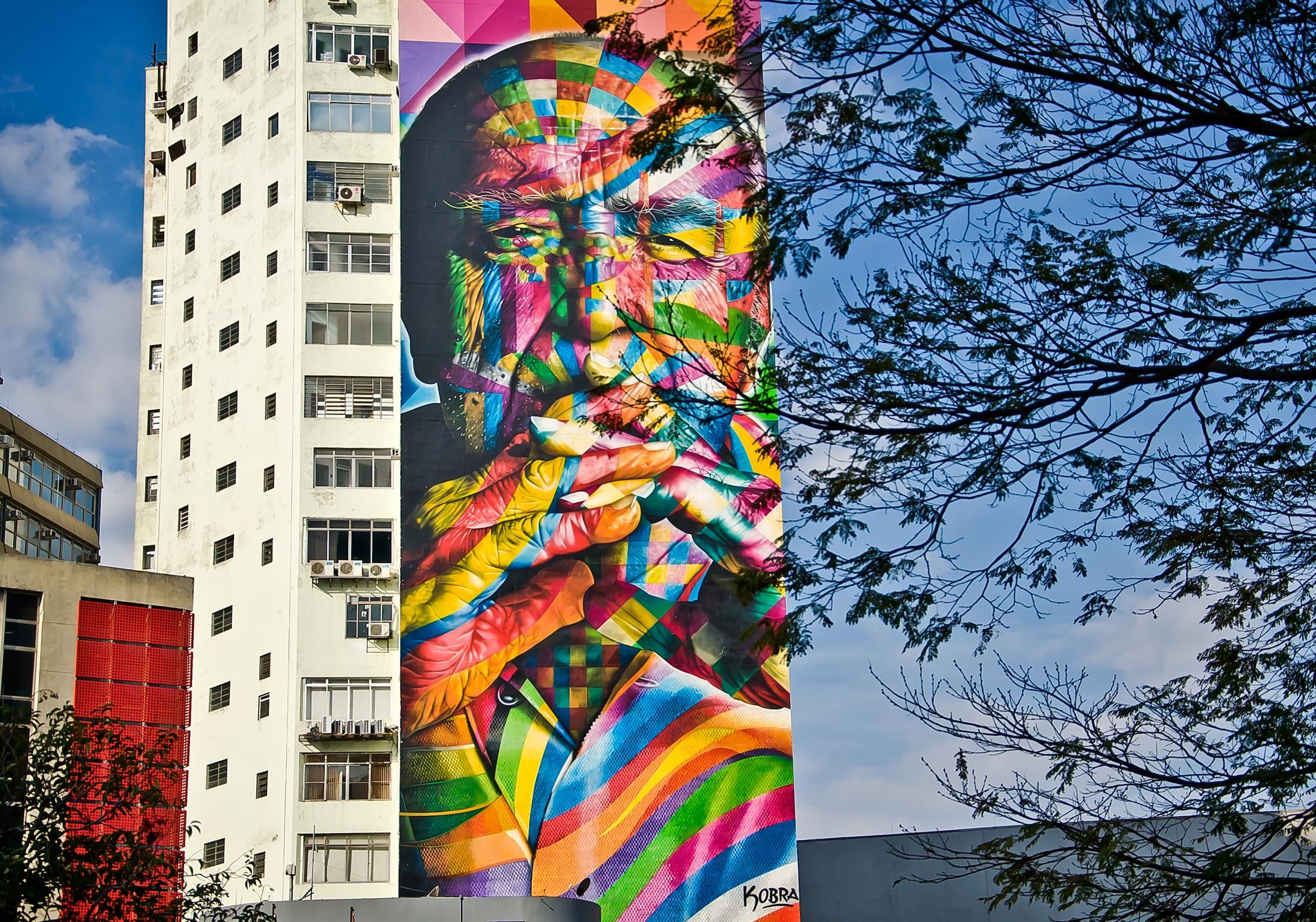 ¿Quién demonios es Eduardo Kobra?   Un recorrido buscando las obras del grafitero estrella   IR