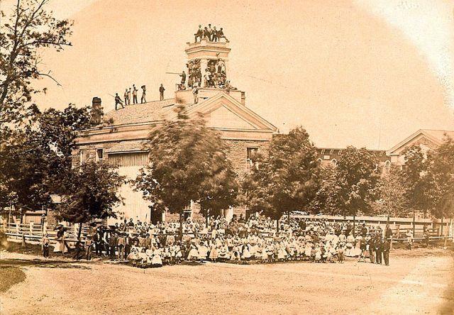 Early Hillsdale Schools