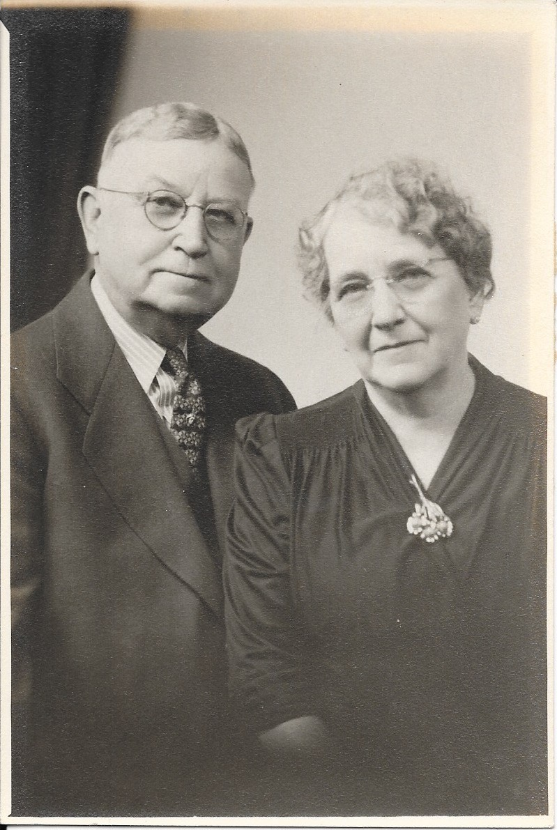 Albert & Della Walls in their later years together