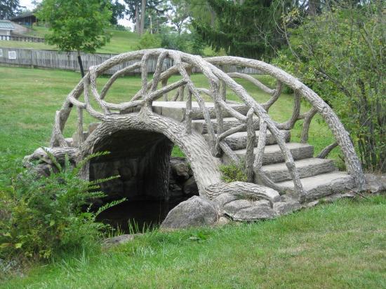 McCourtie Park arched bridge.jpg