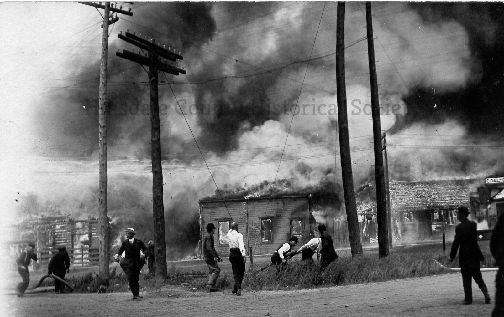 fire - Corlette - 1913 - 2.jpg