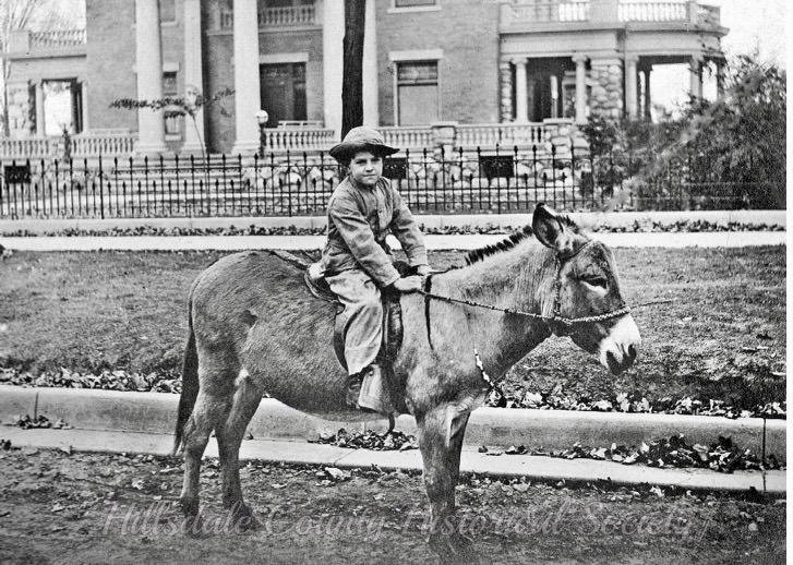 a young frederic w. Stock iii before the paving of Broad Street