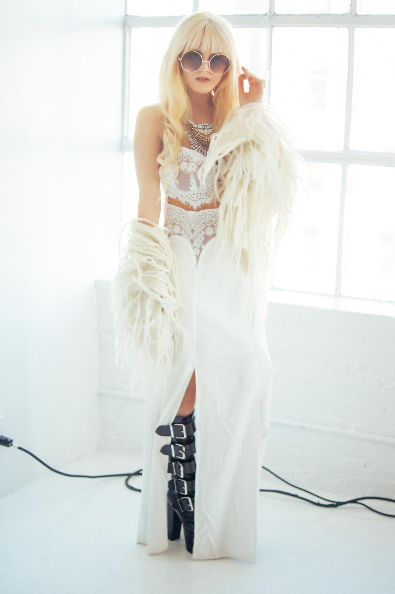 blonde-brittannytaylor-02.jpg