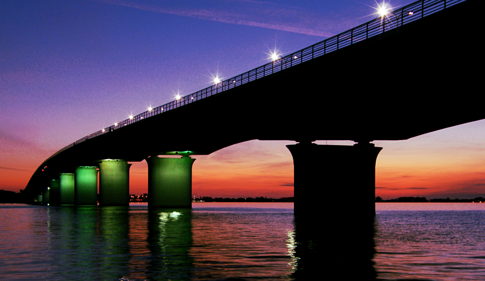 20120131_twilight_ringling_causeway_bridge2.jpg