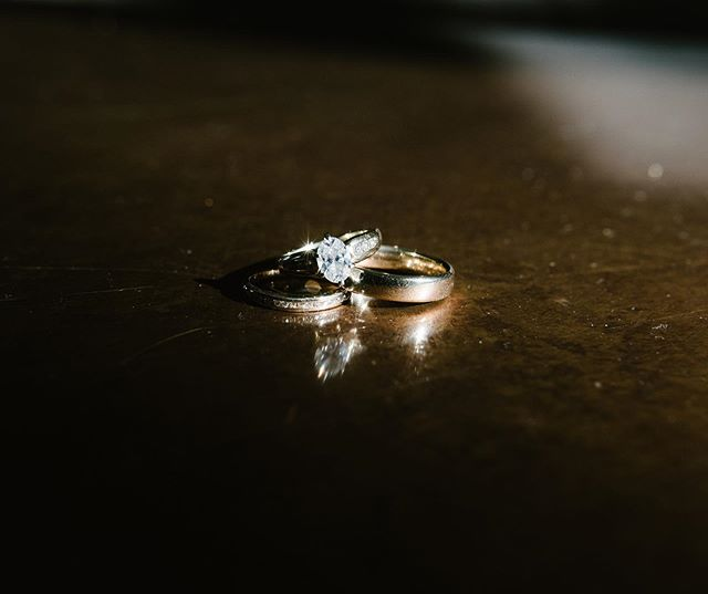 Pretty much the only thing I've done for ring shots this year has been playing with light and shadows and I'm not sorry about it because I've been obsessed with them 🤷🏻‍♀️