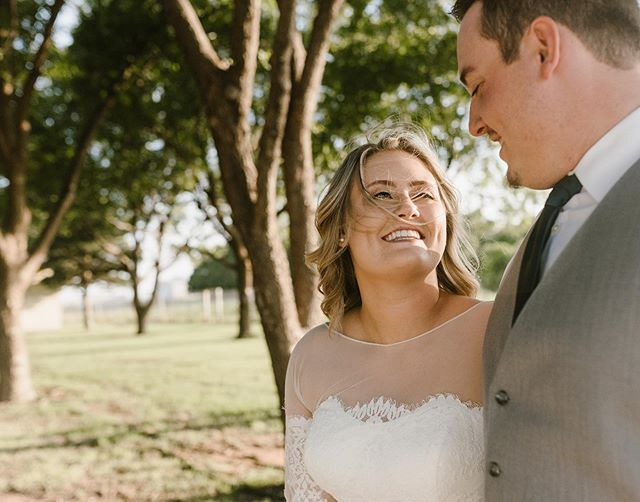 Oh, these sweet moments right after the I do's. And yes, the visible joy is way more important to me here than the windswept hair. Welcome to Texas, friends 🙃