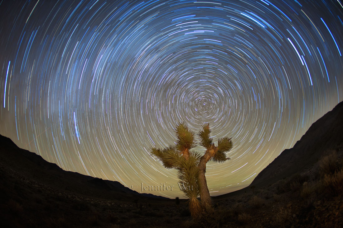 20151108_1_Death_Valley_212_StarTails_TIF_1.jpg