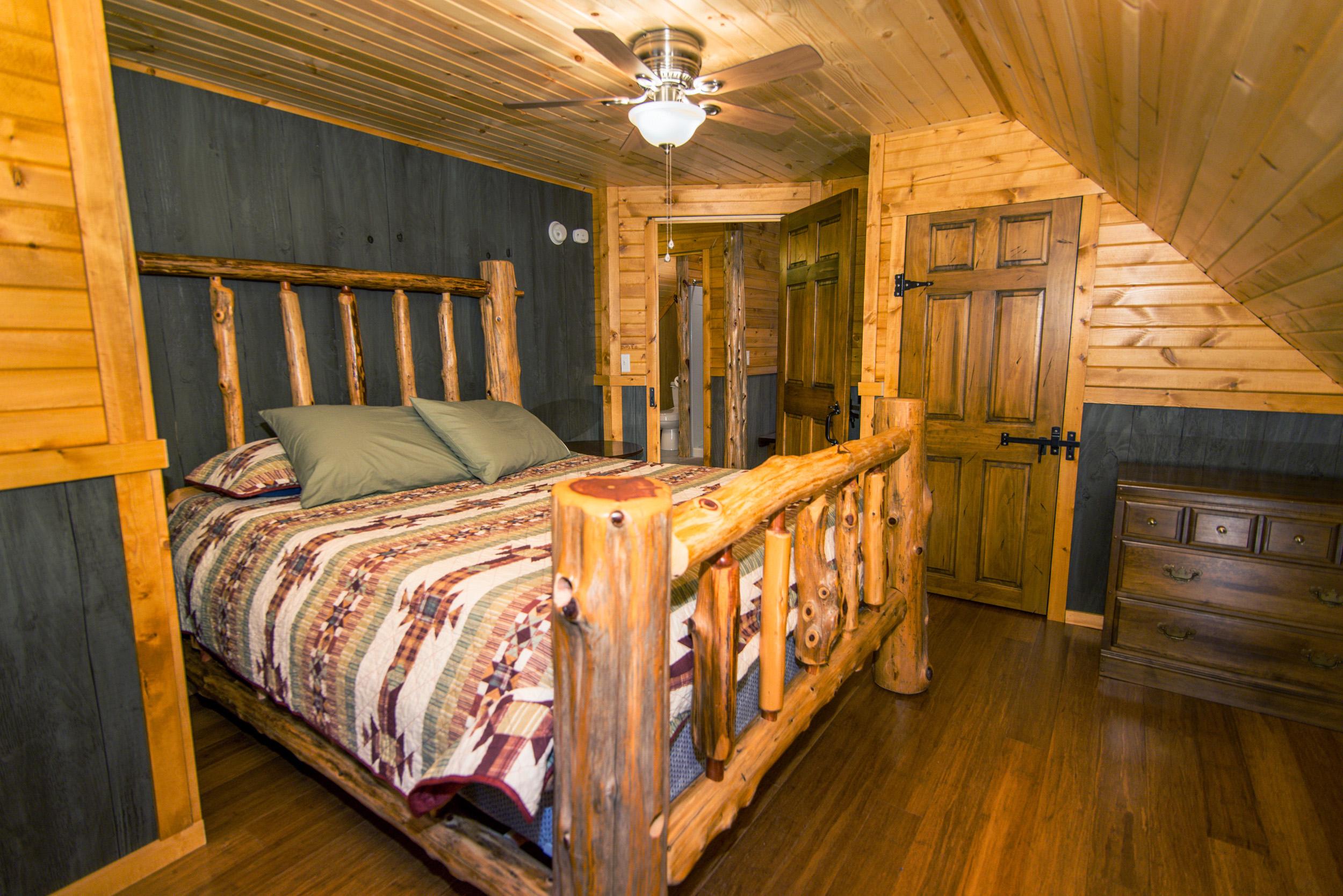 Hopewell Croft Bedroom - Adams County Cabin Rental