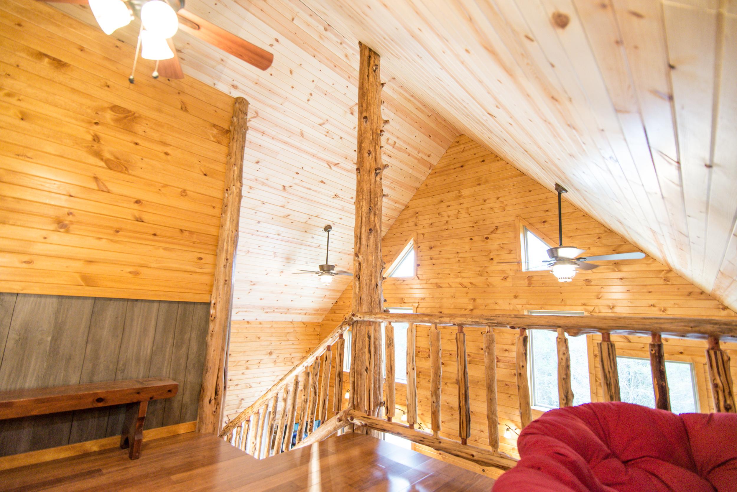 Hopewell Croft Living Room - Adams County Cabin Rental