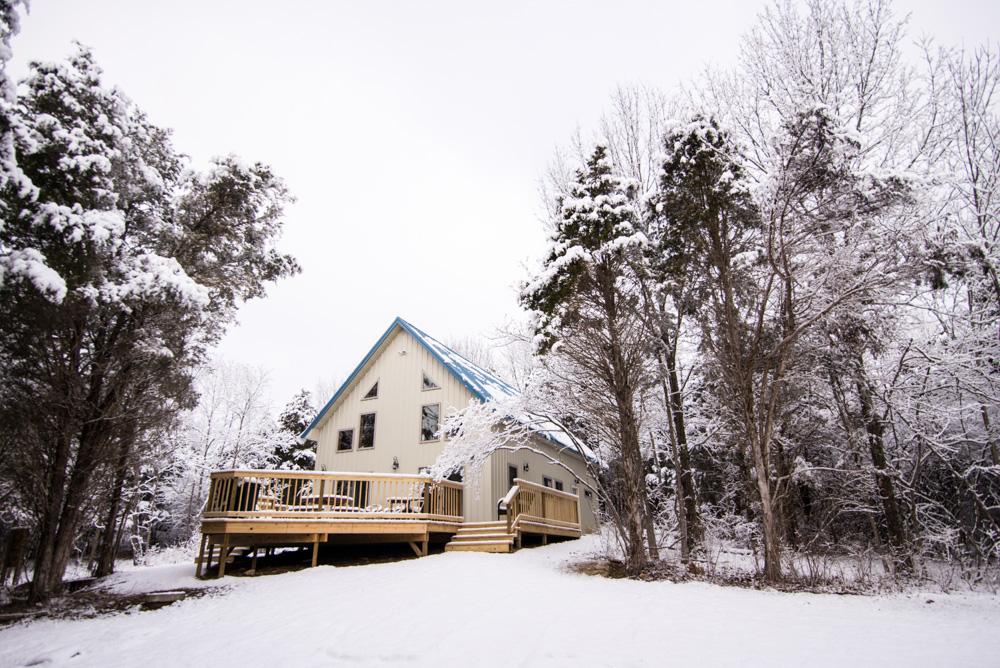 Hopewell Croft Outside Snow - Adams County Cabin Rental