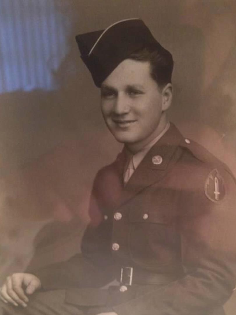 Harold Granitur Army Photo.jpg