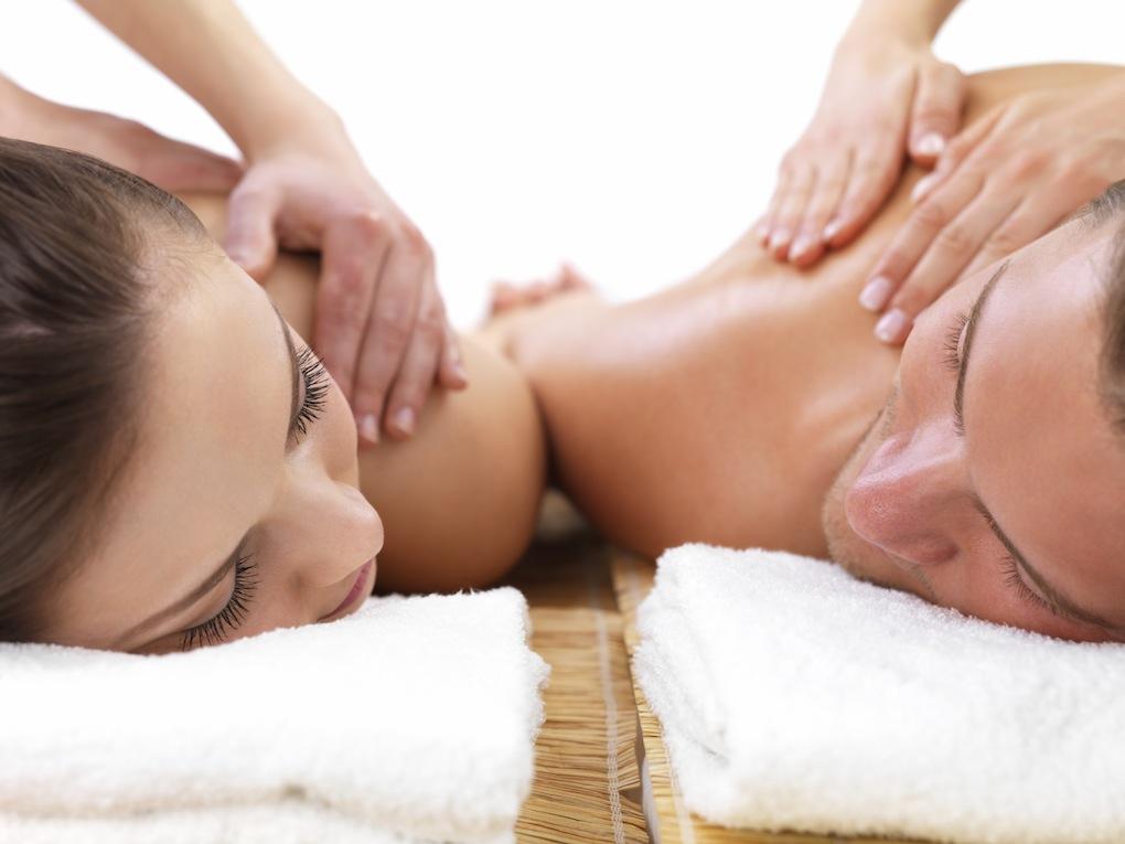 Här väljer du om du vill tillsätta doft i din behandling. Det finns flera doftoljor att välja på. Om du är känslig kan du få behandling med en neutral olja i stället.  En skön massage för helkropp 60 minuter eller överkropp 30 minuter.