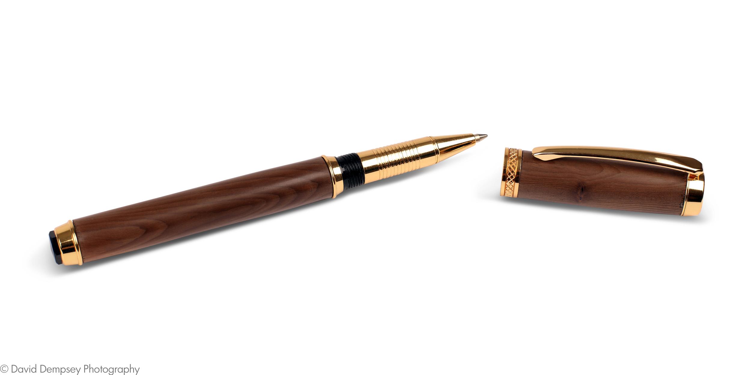 Walnut pen - open