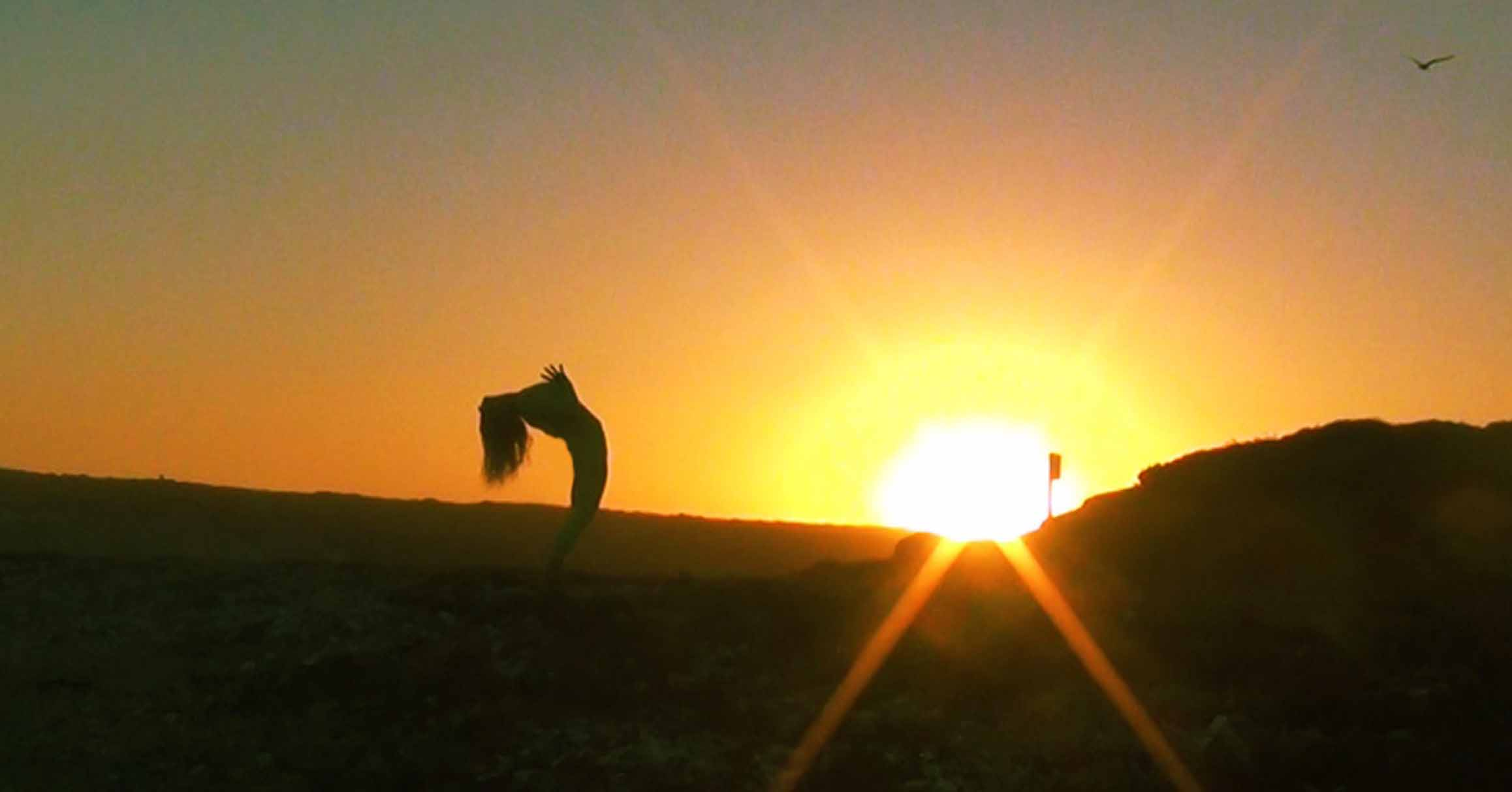 YOGA BADEN BEI WIEN - GIVING THANKS TO THIS PERFECT MOMENT, IN DEVOTION TO THE SUN