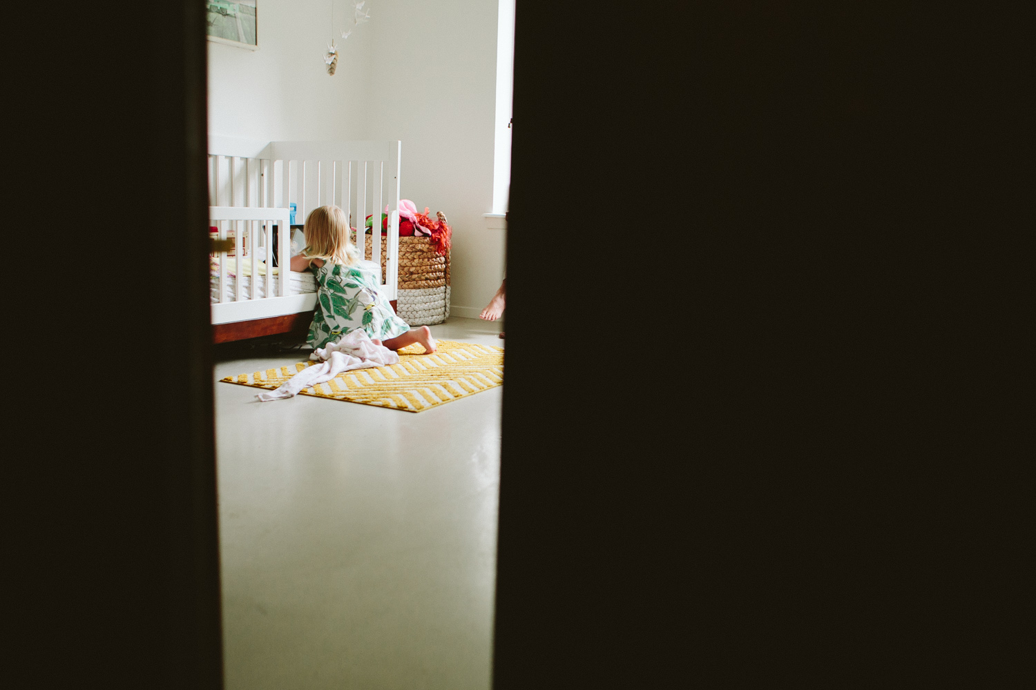 in home family photo session-1.jpg
