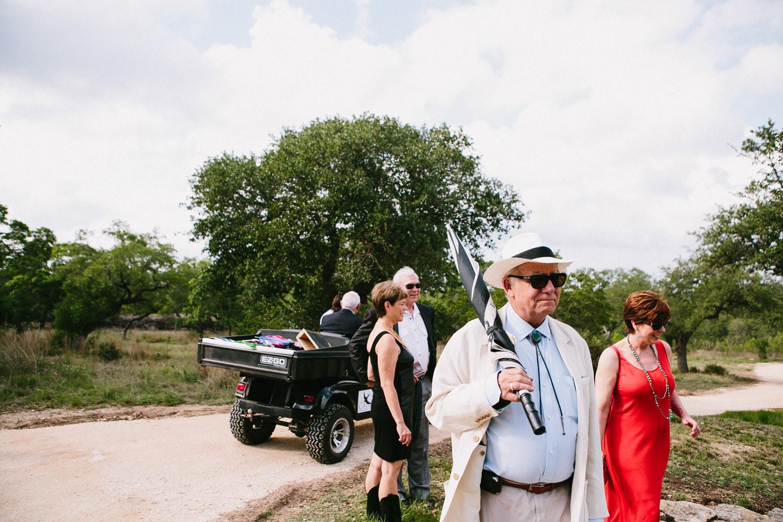 Texas Wedding Guests   Home Ranch Wedding   Lisa Woods Photography