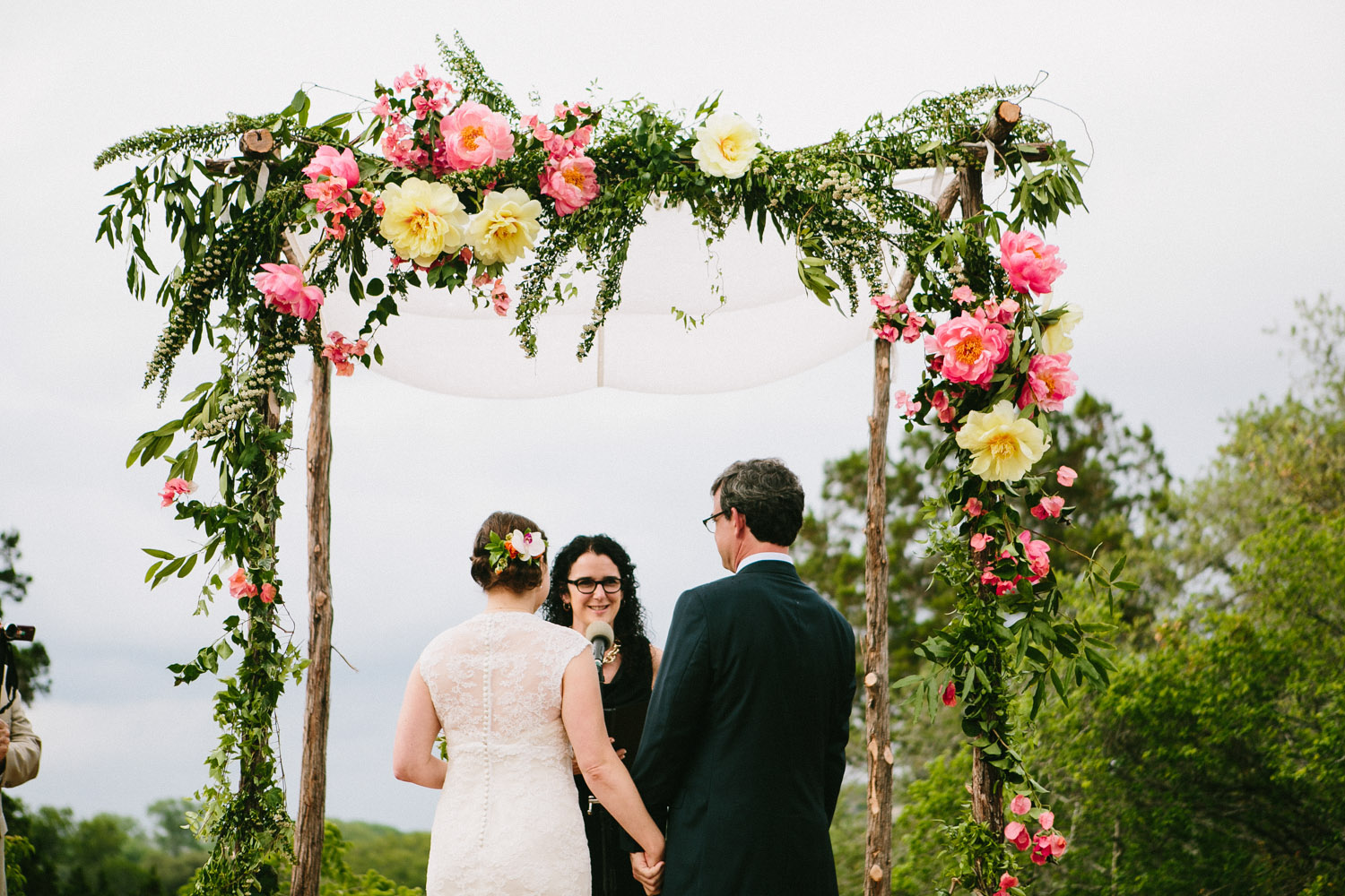 Blooming Floral Altar   Home Ranch Wedding   Lisa Woods Photography