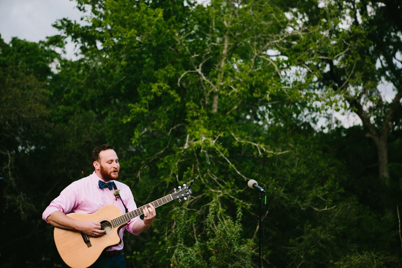Guitarist at Wedding   Home Ranch Wedding   Lisa Woods Photography