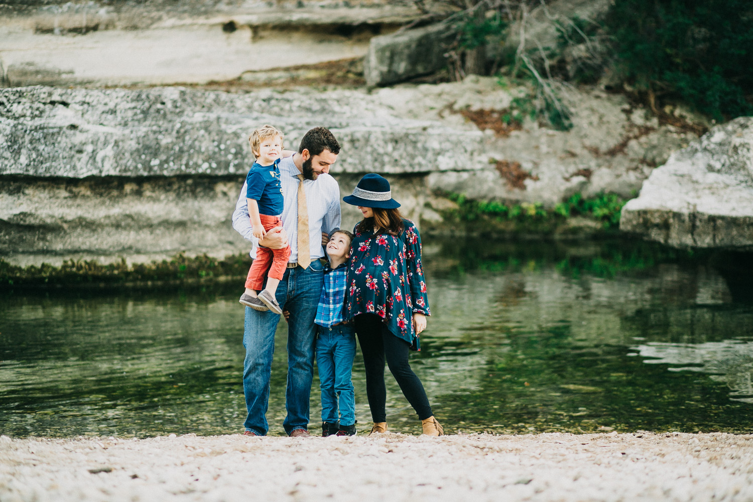 Family of Four & Maternity | Lisa Woods Photography