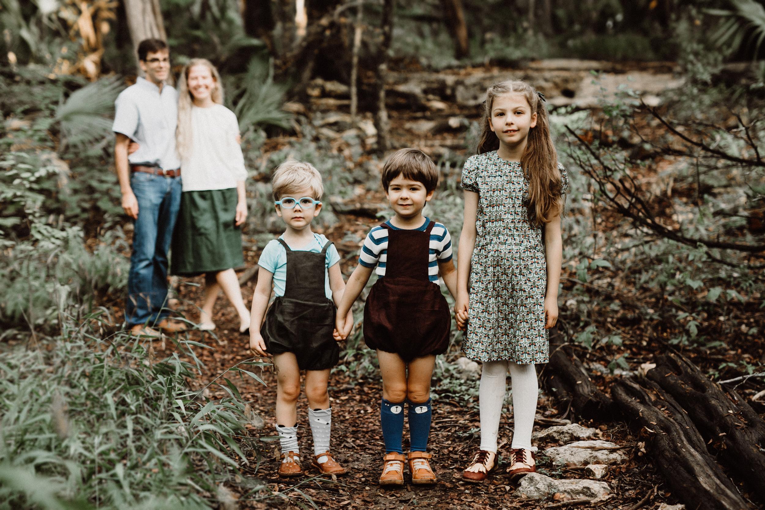 mayfield-park-natural-family-session-senning-97.jpg