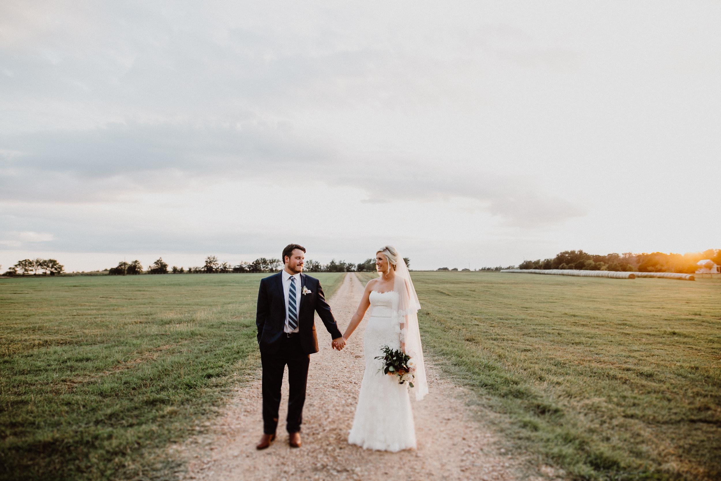 the-prairie-wedding-J&H-670.jpg