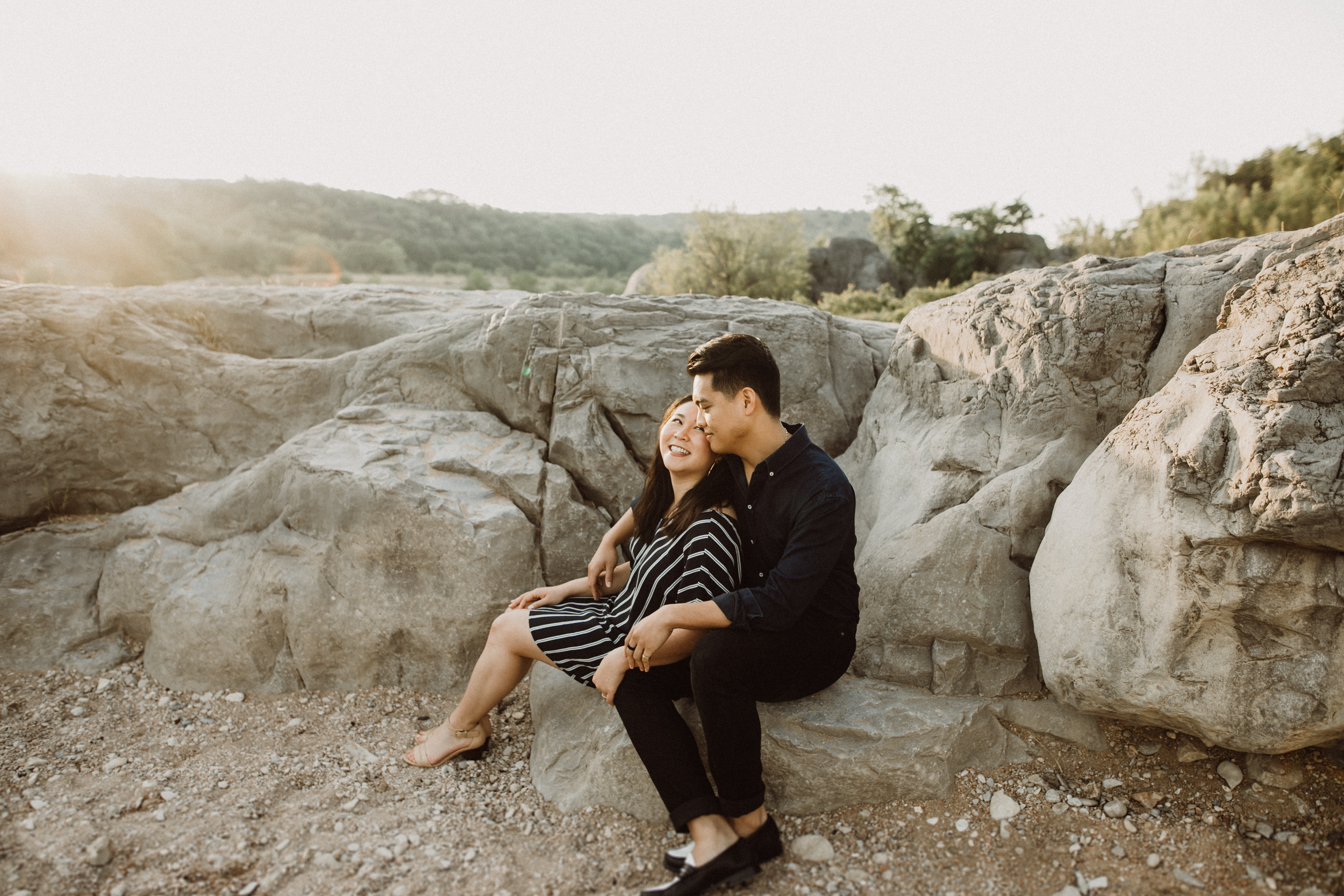 couple engaged at pedernales park