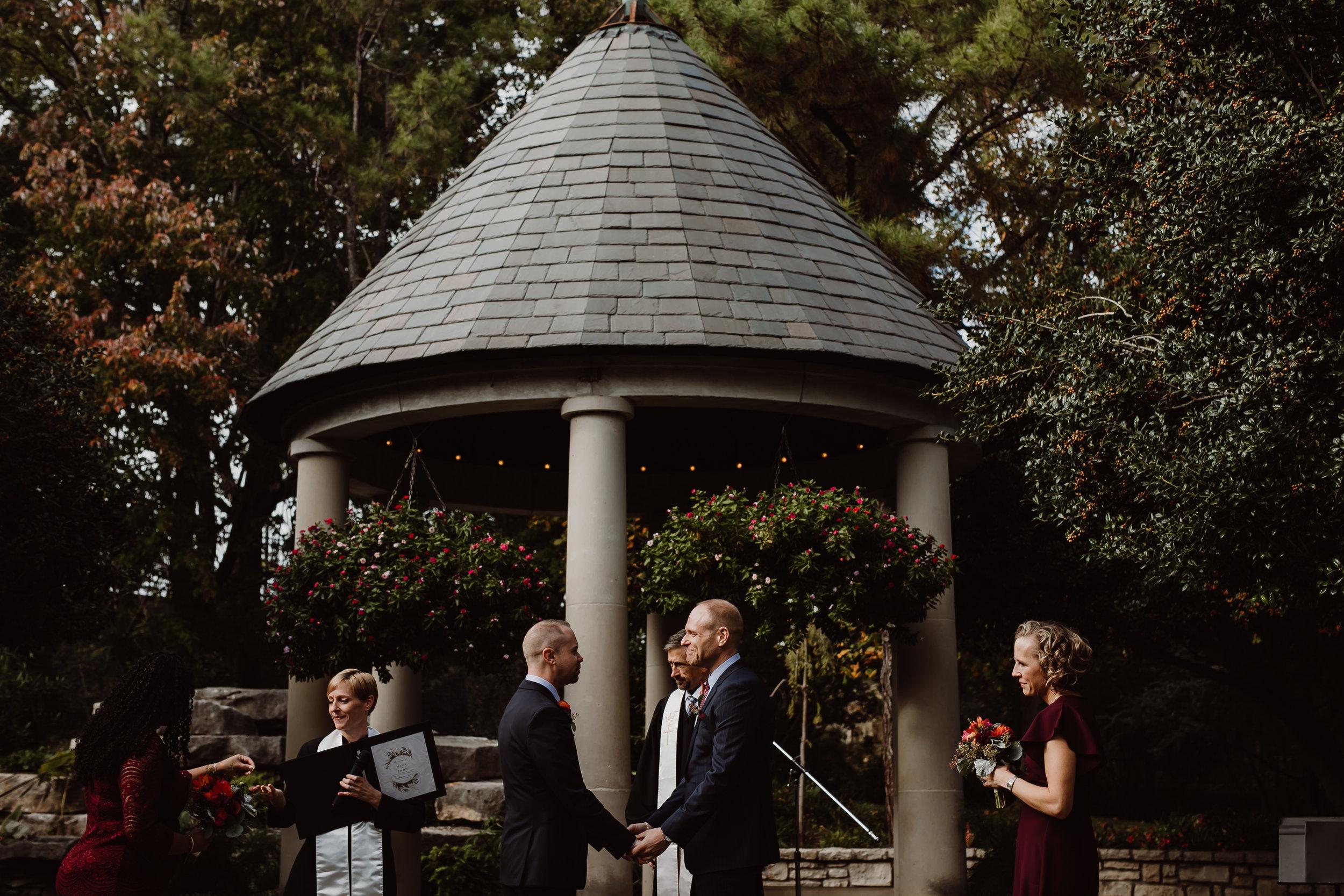 ftworth-botanical-gardens-wedding-M&T (320 of 548).jpg
