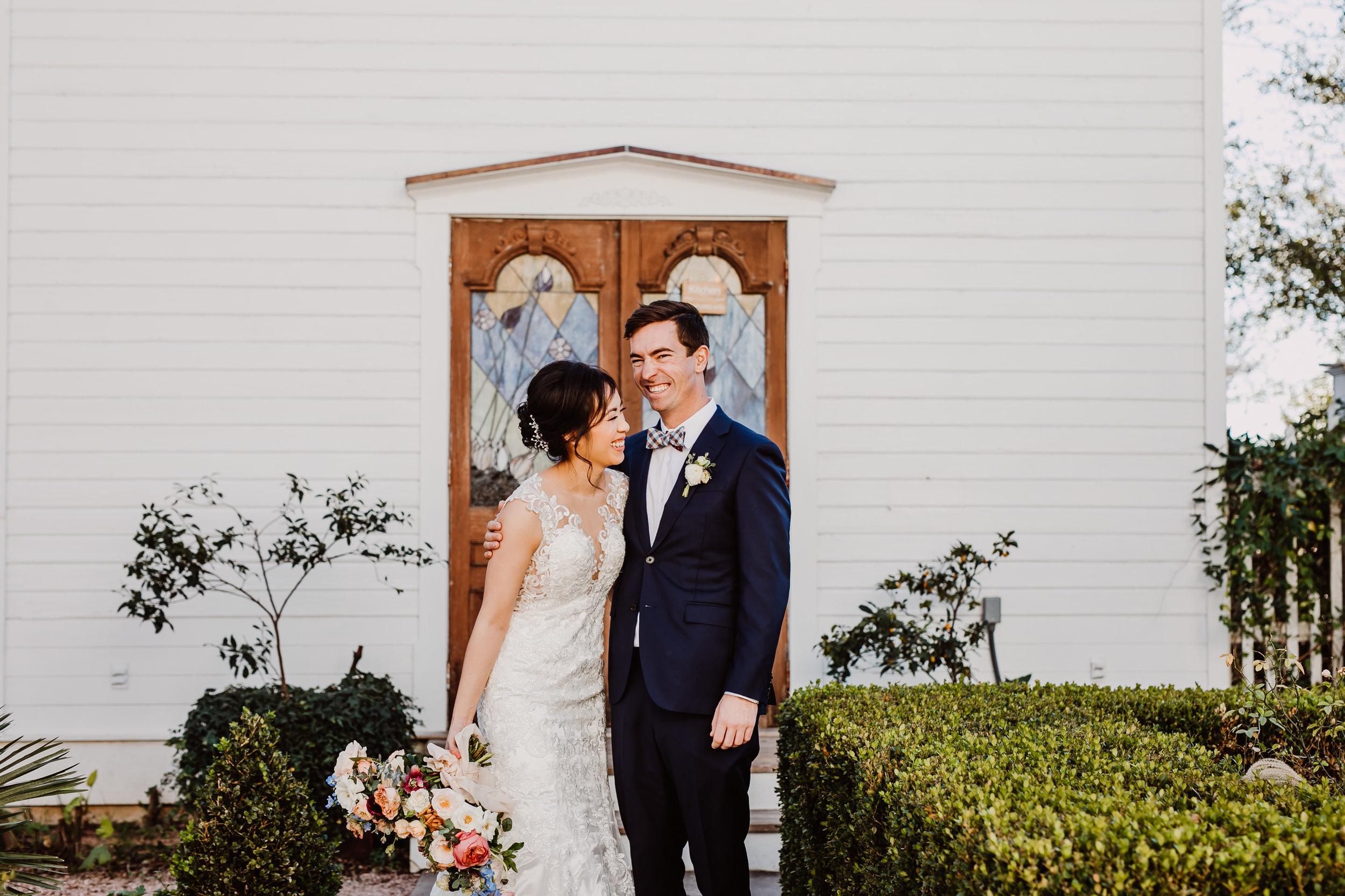 barr mansion bride and groom