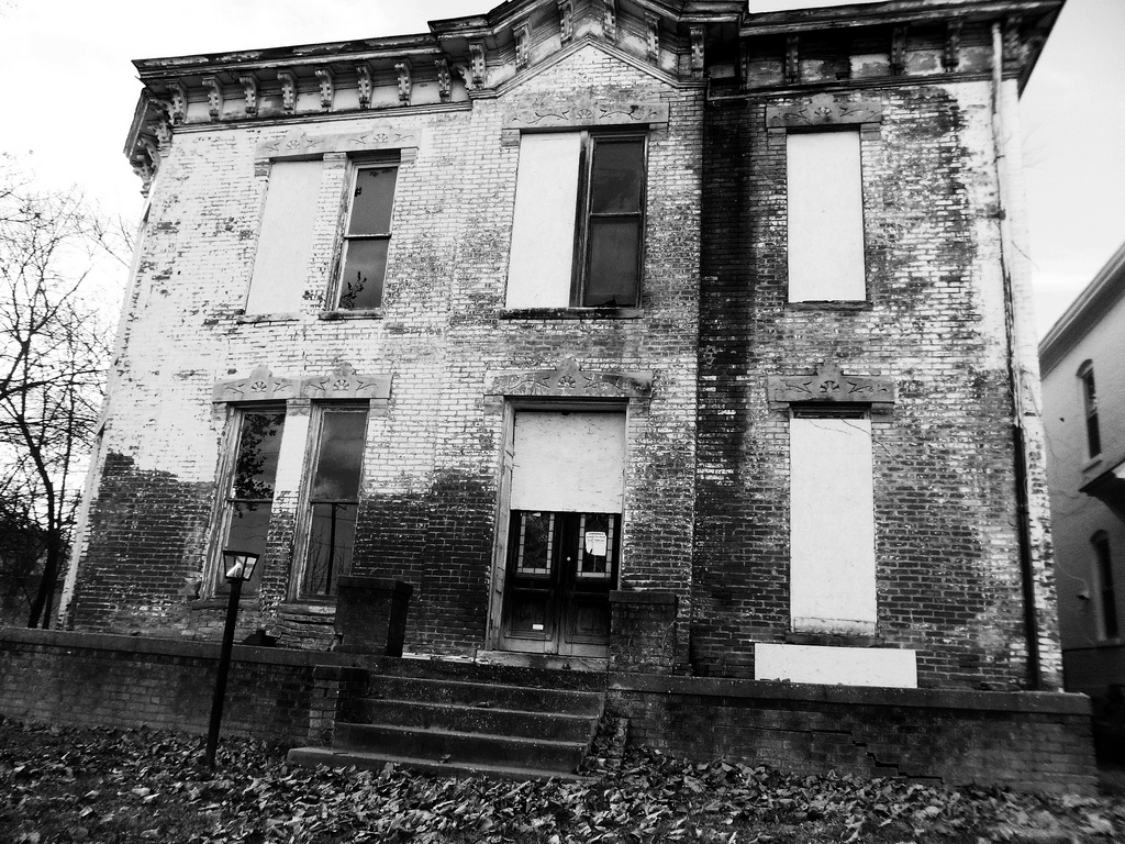 creepy house.jpg