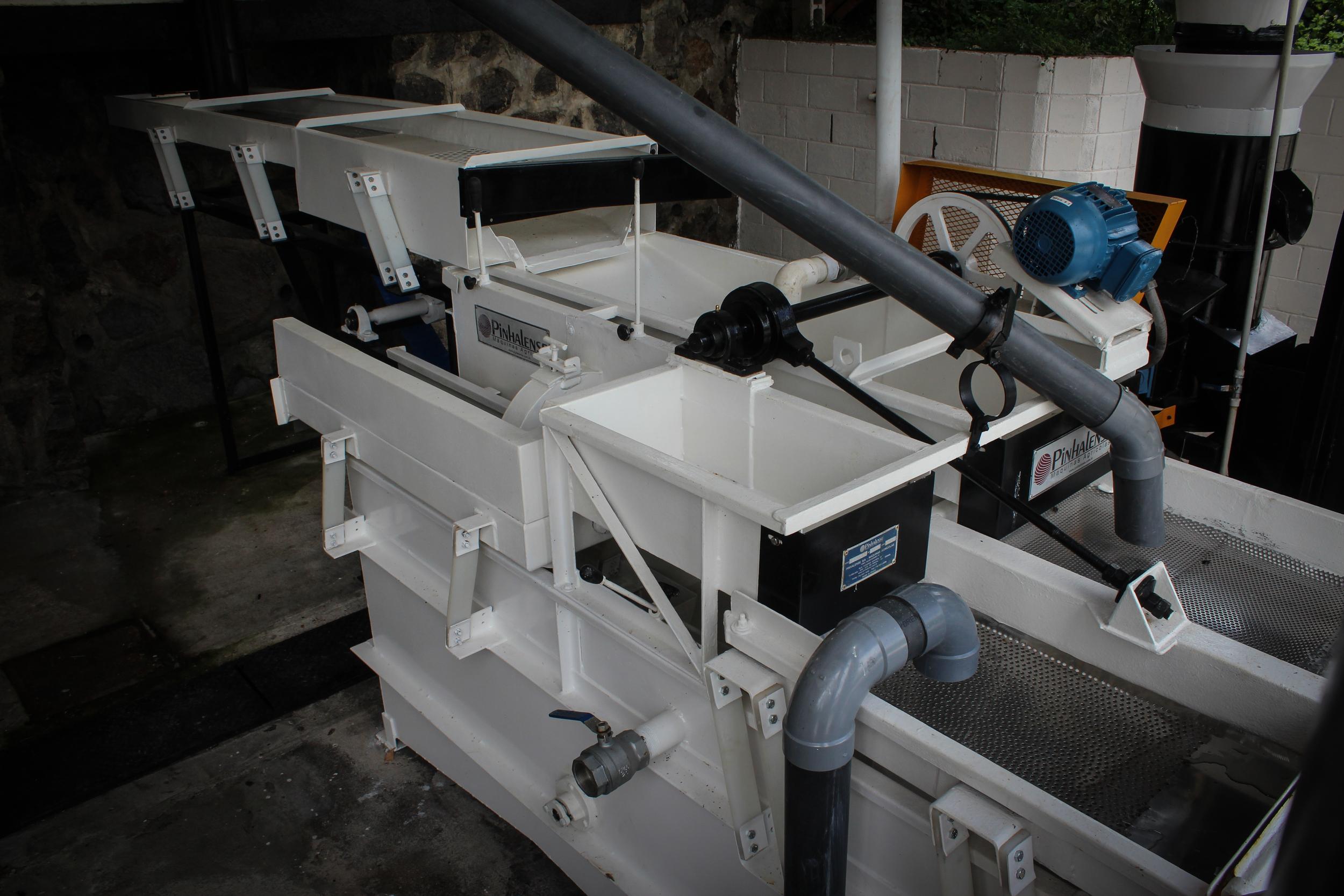 Mechanical Syphon
