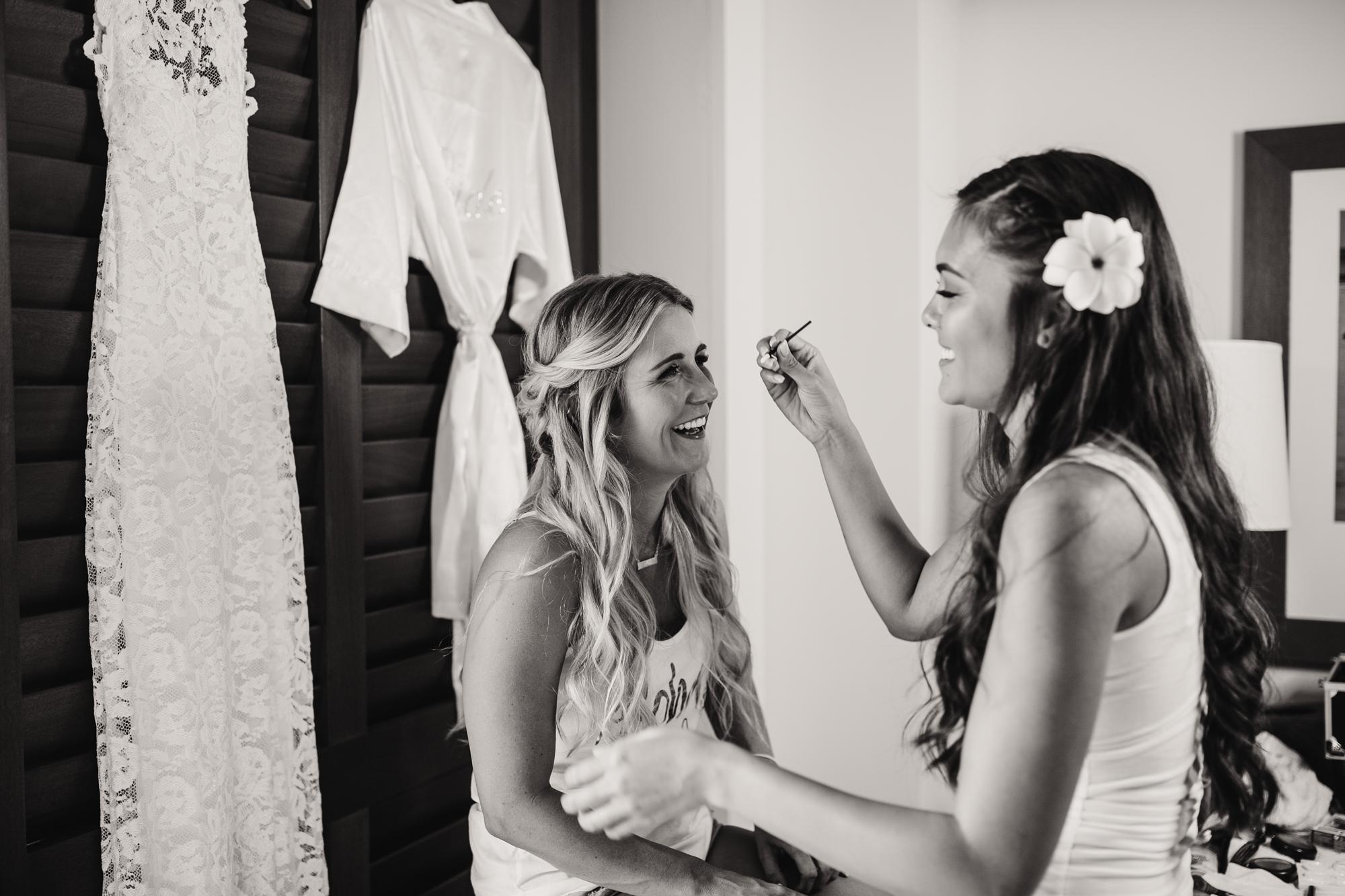 destination-wedding-photographer-hawaii-maui-elopement-13.jpg
