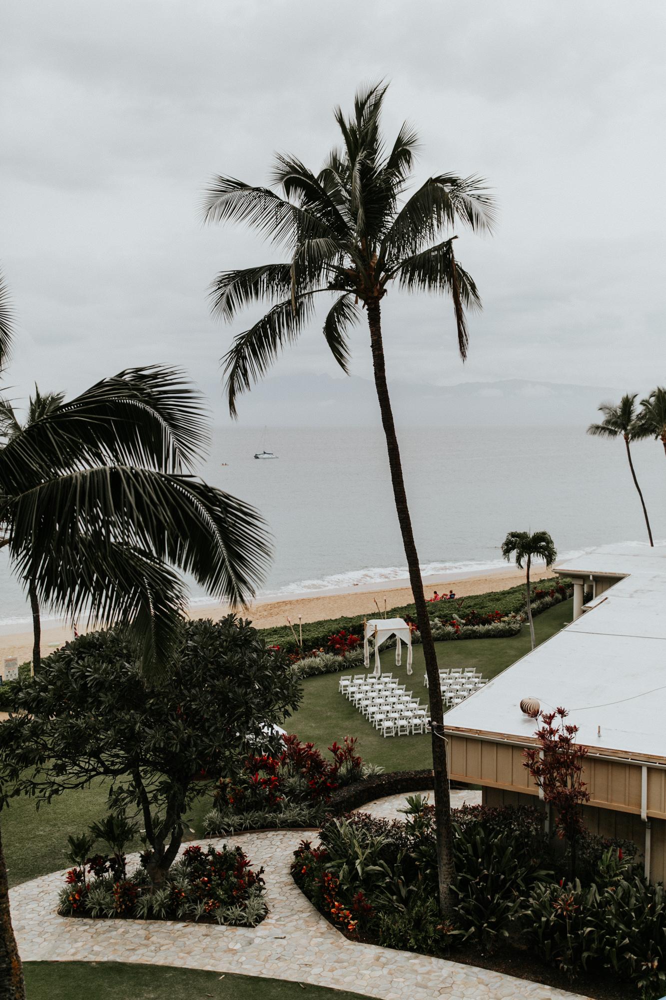 destination-wedding-photographer-hawaii-maui-elopement-23.jpg