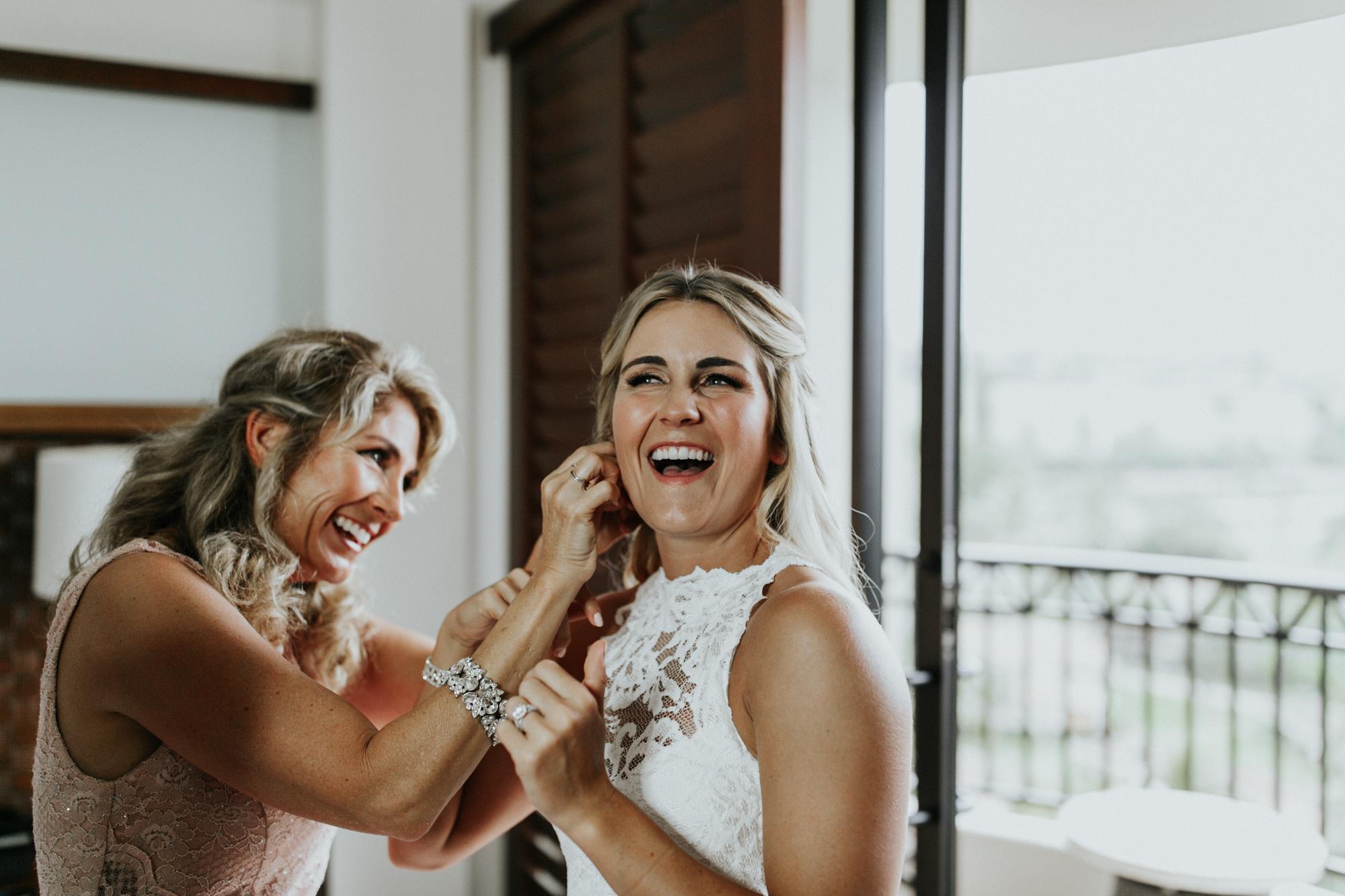 destination-wedding-photographer-hawaii-maui-elopement-27.jpg