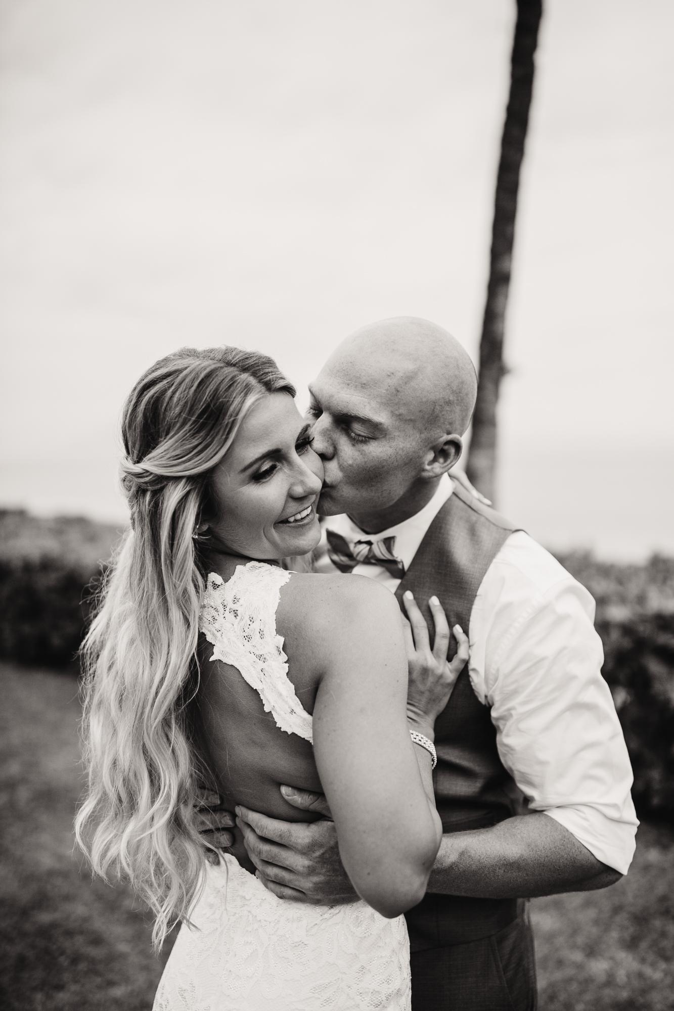 destination-wedding-photographer-hawaii-maui-elopement-41.jpg