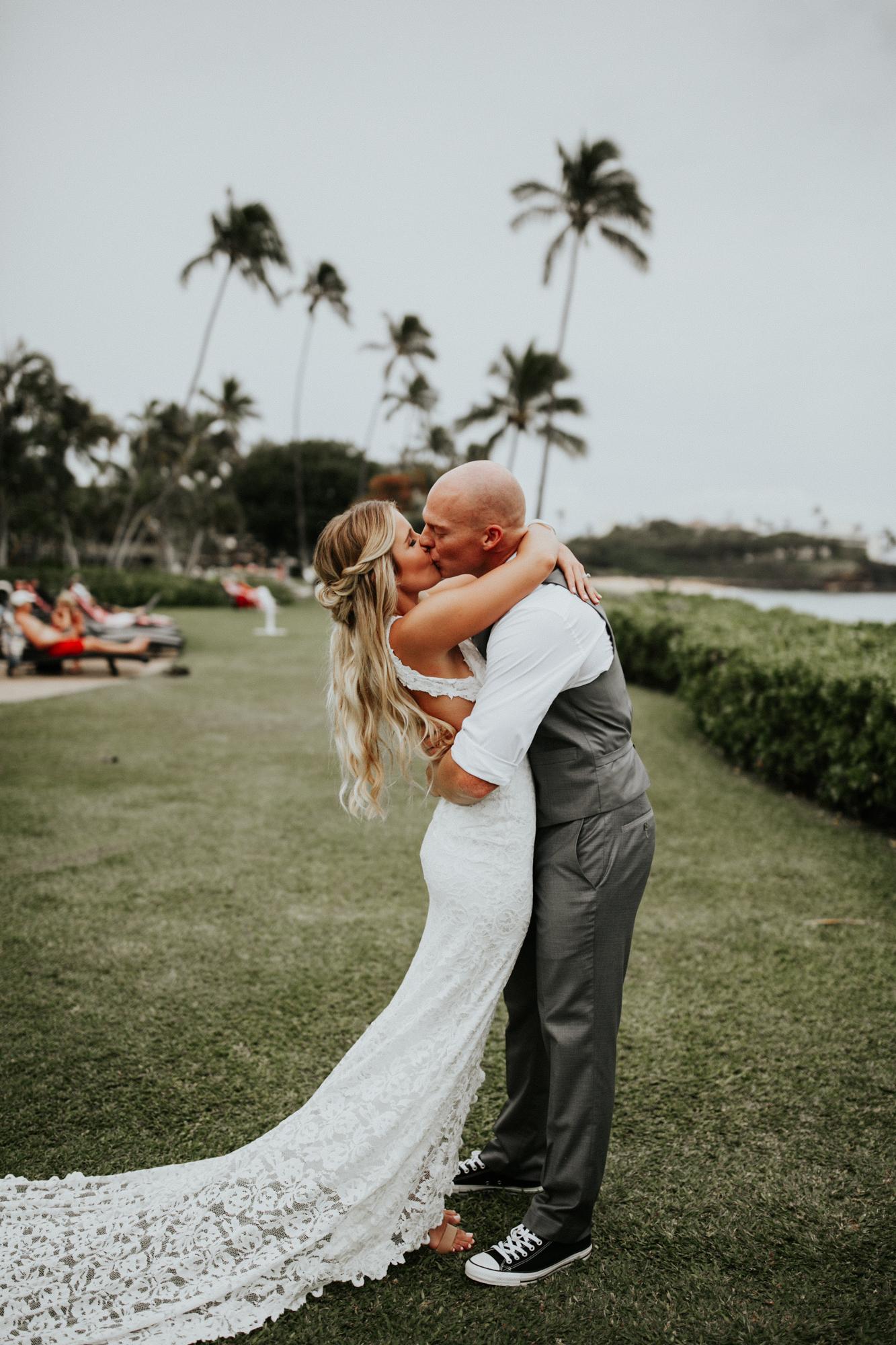 destination-wedding-photographer-hawaii-maui-elopement-42.jpg