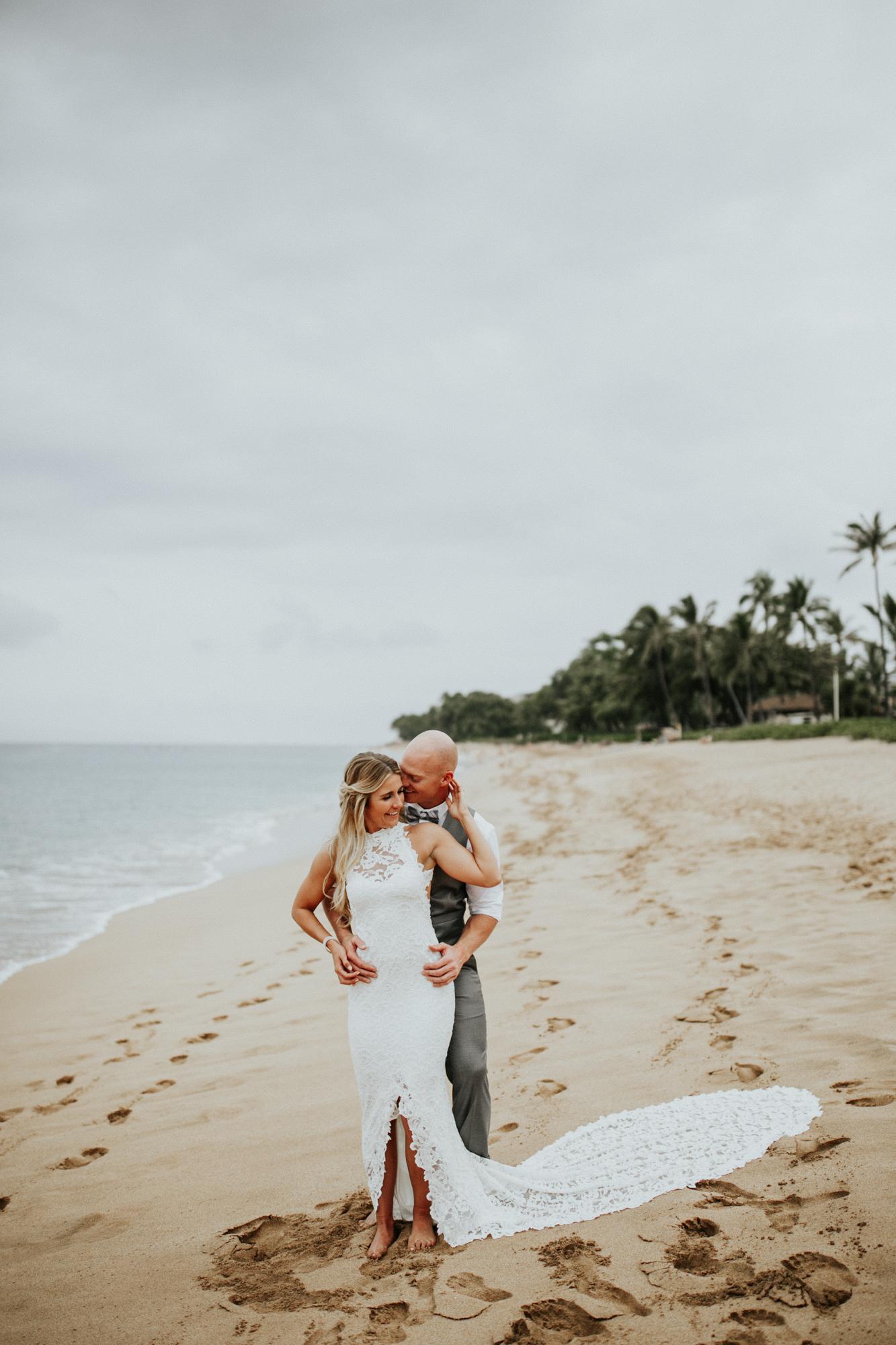 destination-wedding-photographer-hawaii-maui-elopement-45.jpg